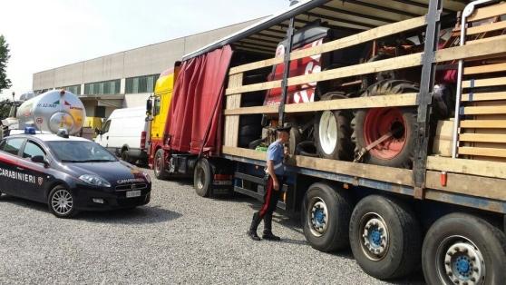 Furti trattori rubati a bologna sequestrati al porto di for Attrezzi agricoli usati piemonte